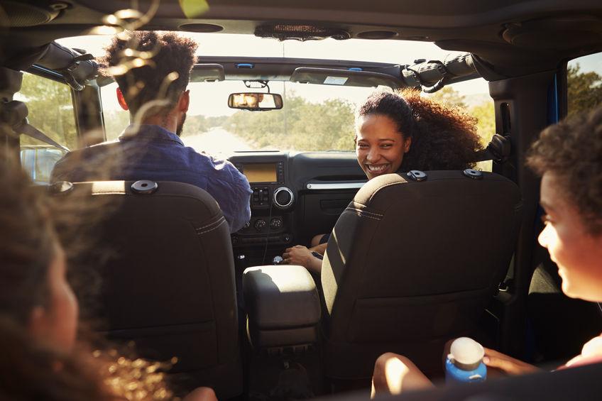 occuper-ses-enfants-durant-un-trajet-en-voiture