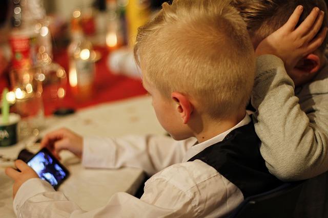 A quel âge acheter un smartphone à son enfant